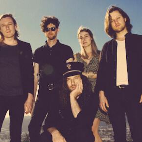 Yukon Blonde live im Musik & Frieden