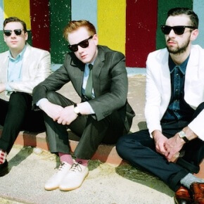 Two Door Cinema Club kündigen neues Album an