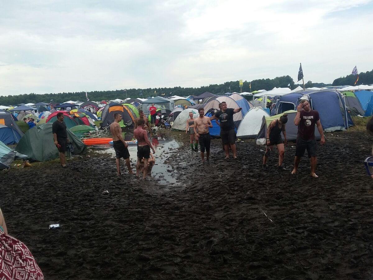 hurricane-festival-2016-freitag-matsch-zeltplatz