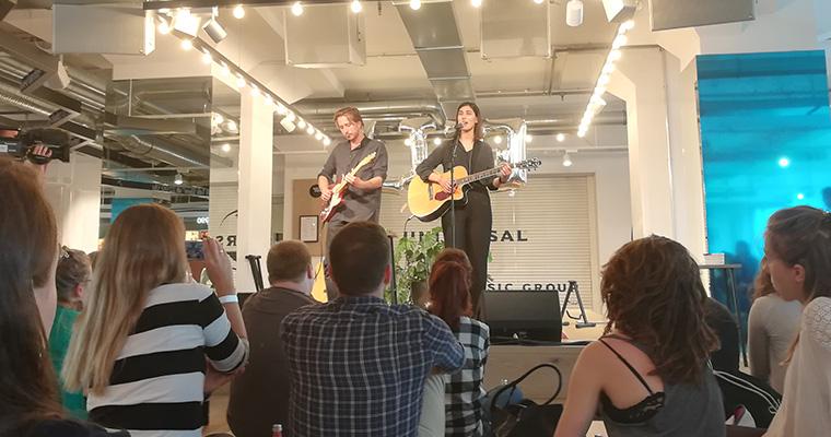 Elif präsentiert ihr Album Doppelleben in Berlin