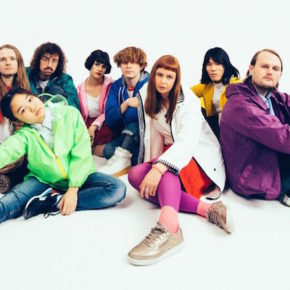 Superorganism kündigen Album an + neue Single