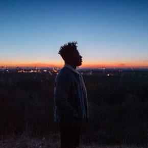 Kelvin Jones am 24.11.2019   Musik & Frieden Berlin