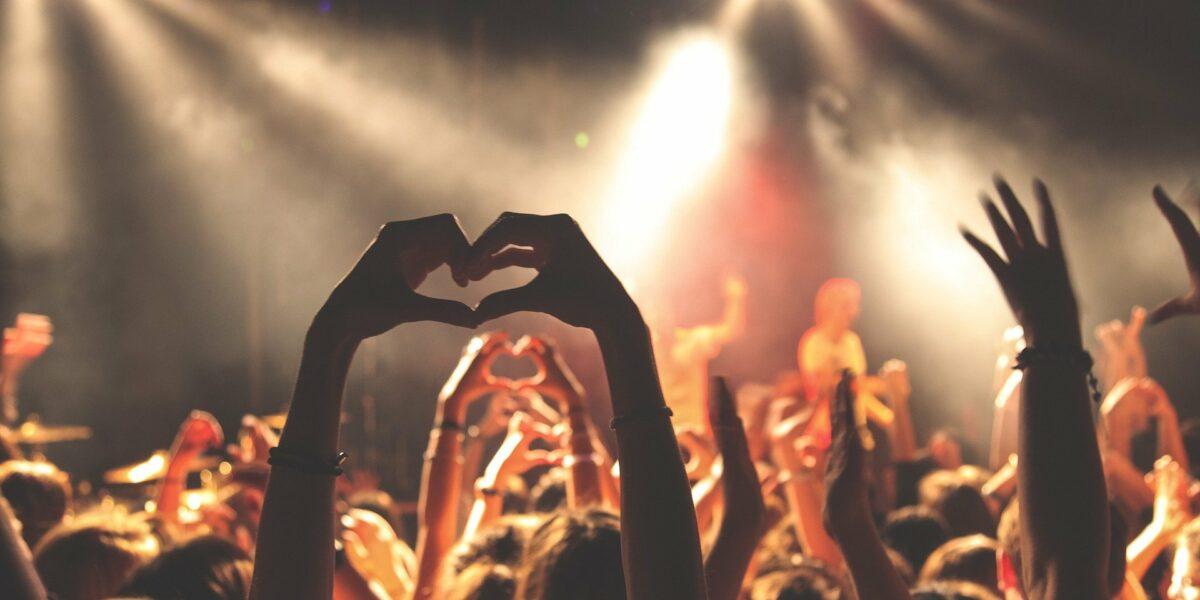 Schreib Mit - werde Musikredakteur:in bei Herzmukke!